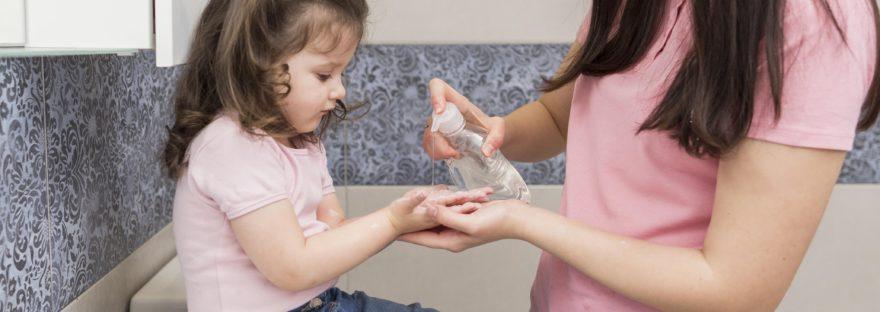 bambini e disinfettanti